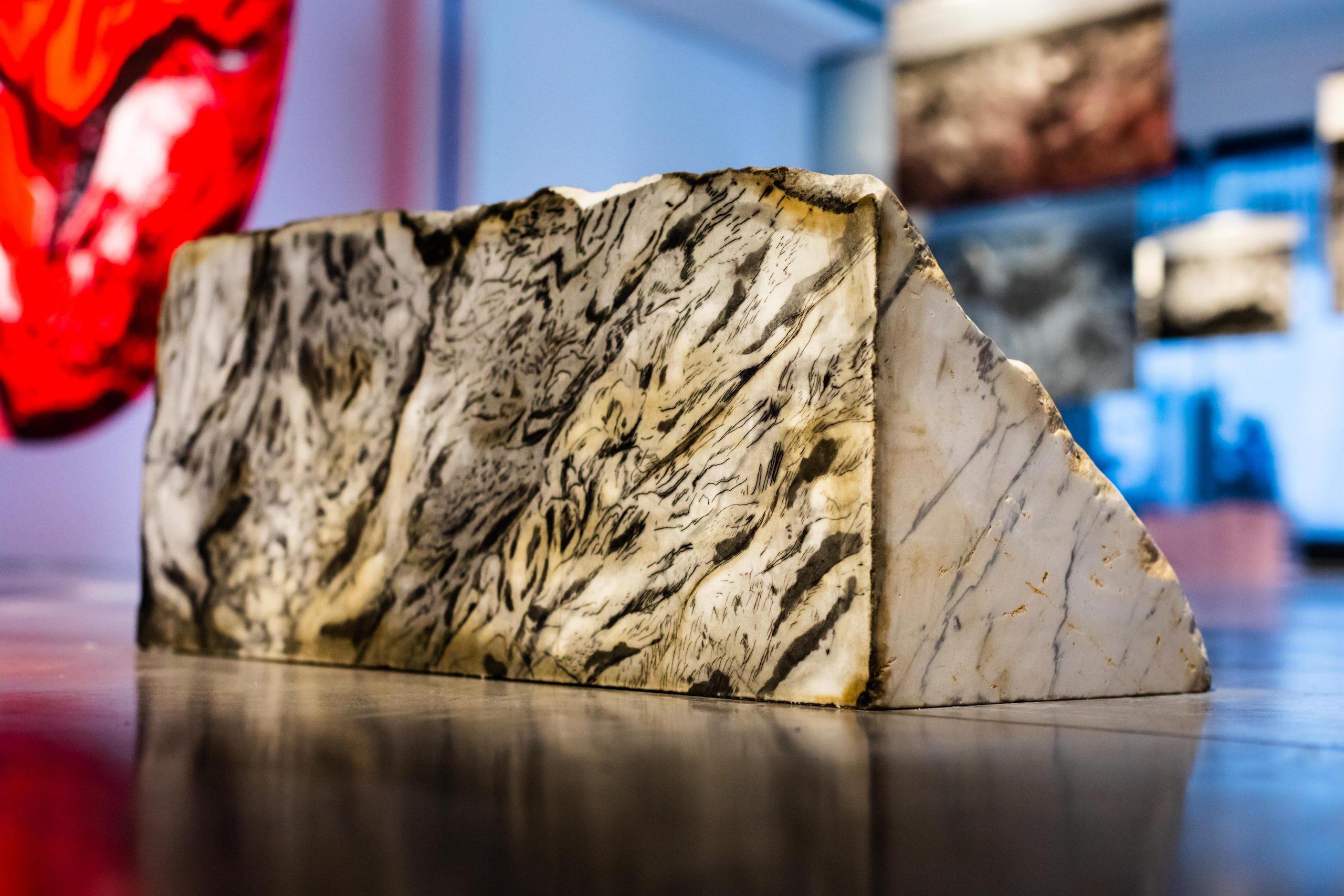 Threshold 15, 2018, Ink on Statuario marble, 30 x 30 x 70 cm