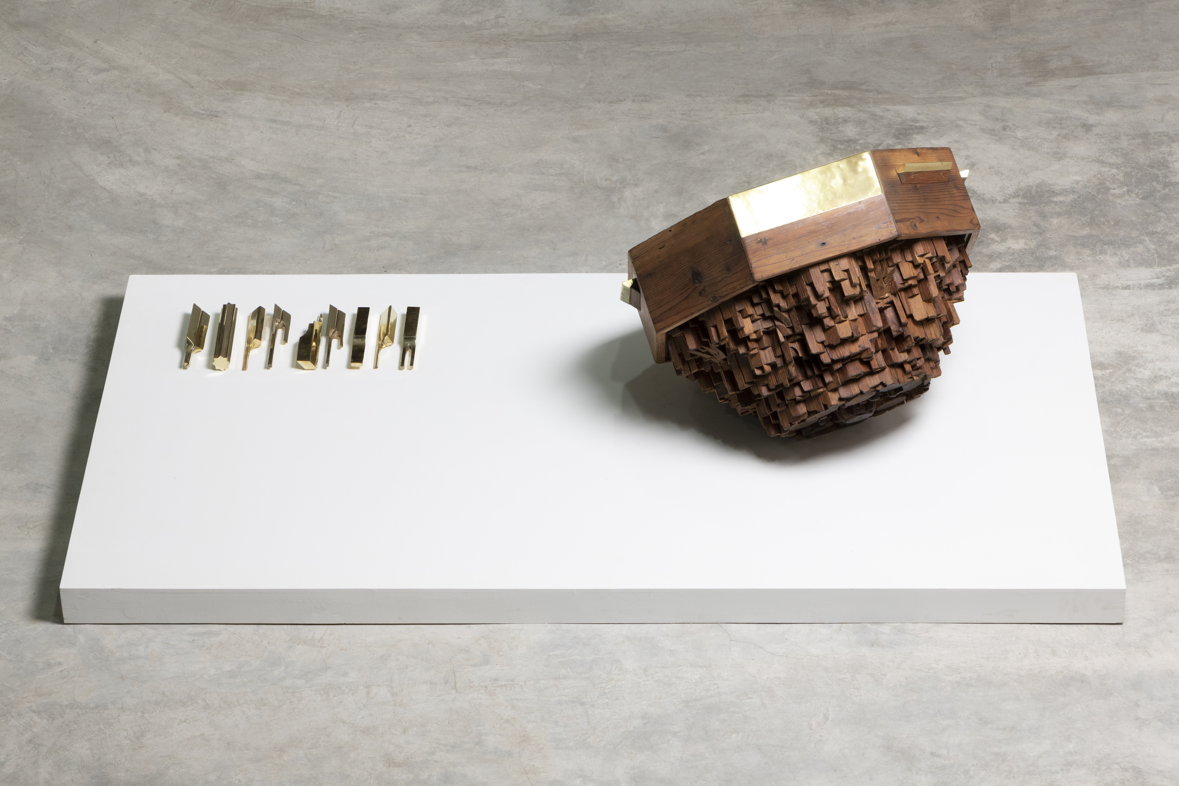 Re-enactment Act III, 2020, Wood, painting and yellow copper, 68 x 68 x 41 cm (large work), 2 x 2 x 18 cm (each)